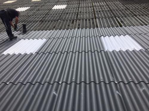 asbestsanering golfplaten dak bedrijfshal